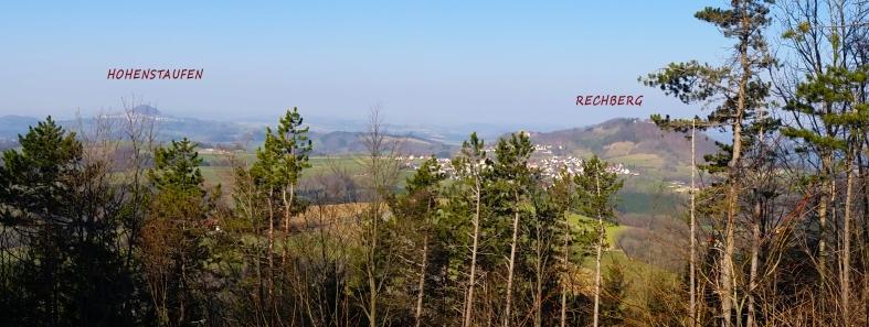 Bild 10_Panoramaussicht auf Hohestaufen links und Rechberg rechts im Bild